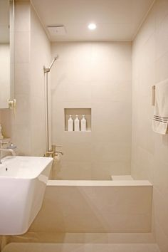 Blog 이미지 뷰어 Baby Art, Bathroom Interior, Sweet Home, Bathtub, House, Kitchen, Furniture, Home Decor, Luxury Closet