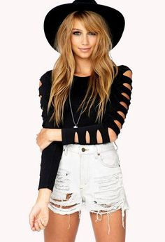 T-Shirt Shoulder Cutout, DIY T-Shirt Cutting Ideas for Girls, http://hative.com/diy-t-shirt-cutting-ideas-for-girls/,