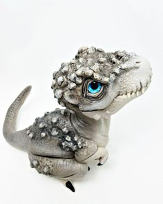 Polymer Clay Dragon, Polymer Clay Animals, Polymer Clay Crafts, Diy Clay, Polymer Clay Sculptures, Sculpture Clay, Clay Monsters, Dinosaur Art, Clay Figurine