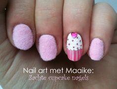 deze leuke nail art is van Vera Camilla kijk voor meer info op www.veracamilla.nl  en volg haar op youtube, instagram, twitter en facebook .