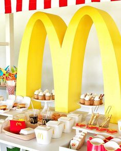 ☕️ Dessert table decor by ☕️ Favor boxes by ☕️ Welcome sign by ☕️… Birthday Table, Fourth Birthday, 6th Birthday Parties, Birthday Party Decorations, Mcdonalds Birthday Party, 90s Party, Party Time, Mc Donald Party, Hamburger Party