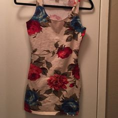 Flower dress Can be worn as a top or dress! Form fitting and flattering. Perfect condition Forever 21 Dresses Mini
