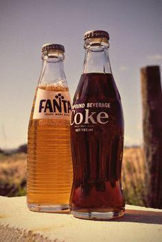 fanta & coke / Get to know more retro, vintage modern, inspirations here > Coca Cola Vintage, Vintage Ads, Vintage Posters, Vintage Bottles, Vintage Classics, Vintage Tools, Vintage Signs, Pepsi, Ddr Brd