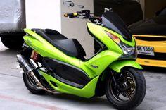 [[-Tip : สำหรับมือใหม่หัดแต่ง]] ❤ ❤ HONDA PCX มือใหม่หัดแต่งมาทางนี้จ้า ❤ ❤ Honda Scooter Models, Maxi Scooter, Yamaha Scooter, Honda Scooters, Scooter Motorcycle, Moto Bike, Honda Pcx, Honda Ruckus, Bmw C1