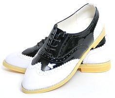 Vintage Black and White Brogue Patent Leather Brogues, Loafers, Der Gentleman, Girls Best Friend, Cute Shoes, Vintage Black, Mary Janes, Patent Leather, Oxford Shoes