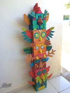 ARTiFun workshops - visual arts and creative leisure workshop in Guadeloupe: ANIMAL TOTEM Totem Poles For Kids, Totem Pole Craft, Art Indien, Diy For Kids, Crafts For Kids, Diy And Crafts, Paper Crafts, Pole Art, Atelier D Art