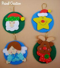 Mi Fiesta Creativa: Manualidades navideñas con moldes Handmade Christmas Decorations, Felt Christmas Ornaments, Christmas Gift Tags, Christmas Crafts For Kids, Xmas Crafts, Homemade Christmas, Diy And Crafts, Christmas Makes, Christmas Time