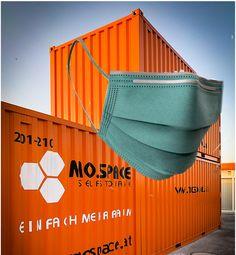 Seit heute gelten Lockerungen bei der Maskenpflicht. MO.SPACE setzt weiterhin auf die volldigitalisierte und somit kontaktlose Lagerraum-Abwicklung deines Auftrages. Jetzt online deinen passenden Raum auswählen und wir erledigen den Rest für dich: www.mospace.at Bratislava, Start Ups, Container, Moving Boxes, Storage Room, Wrapping