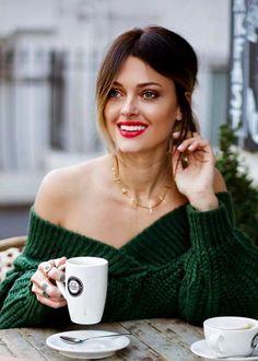 Coffee Break, Morning Coffee, Photography Tea, Paris Green, Cuppa Joe, Coffee Girl, Healthy Women, Photo Instagram, Coffee Drinks