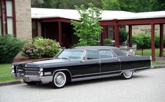 Learn more about 1966 Cadillac Fleetwood Brougham on Bring a Trailer, the home of the best vintage and classic cars online. Fleetwood Town, Cadillac Fleetwood, Chevrolet Bel Air, Dodge Charger, Rolls Royce, Ford Modelo T, Vintage Cars, Antique Cars, Super Pictures