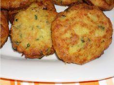 Υλικά:  2 κούπες ρεβύθια  2 κρεμμύδια ψιλοκομμένα  3 κουτ. σούπας δυόσμο  2 κουτ. σούπας άνιθο  2 φρέσκα κρεμμύδια ψιλοκομμένα  μισό κου... Vegetarian Kids, Vegetarian Recipes Easy, Cooking Recipes, Healthy Recipes, Greek Appetizers, Appetizer Recipes, Greek Cooking, Sandwiches, Food Humor