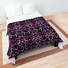 College Dorm Rooms, Heart Patterns, Square Quilt, Colorful Backgrounds, Comforters, Duvet Covers, Purple, Pink, Blanket