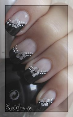 Are you looking for simple but elegant nail art designs for your nails? I have here 15 amazing pretty nail art designs you will love. Toe Nail Designs, Nail Polish Designs, Acrylic Nail Designs, French Manicure Designs, Nagellack Design, Nagellack Trends, Pretty Nail Art, Beautiful Nail Art, Stylish Nails