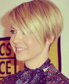 Chic Short Haircuts Layered Pixie Hairstyle 15-Chic-Short-Haircu