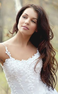 Natural bridal hairstyle with long wavy hair down.PNG