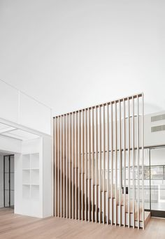 Lucas y Hernández - Gil Arquitectos, José Hevia · House MD Home Stairs Design, Railing Design, Interior Stairs, Home Interior Design, Interior Architecture, House Design, Staircase Railings, Modern Staircase, Bannister