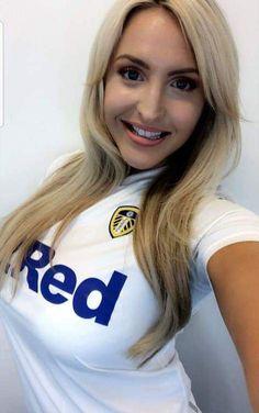 Emma Louise Jones, LUTV Leeds United Football, Leeds United Fc, Emma Louise Jones, Leeds United Wallpaper, Casual Outfits, Men Casual, Football Wallpaper, Tv Presenters, Beautiful Actresses