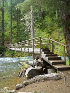 Search How To Build A Log Footbridge. Visit & Look Up Quick Results Now On imagemag. Deck Stairs, Wooden Stairs, Stair Railing, Above Ground Pool Steps, Love Bridge, Bridge Construction, Garden Structures, Natural Structures, Pallet Ideas