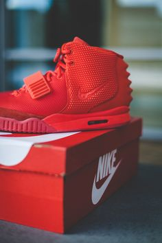 SOLEHYPE: 35 EXAMPLES OF GREAT SNEAKER PHOTOGRAPHY | TODAYSHYPE