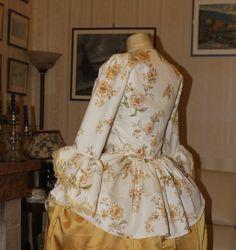 ABITI STORICI FEMMINILI 1700 Abito storico femminile seconda meta' 1700