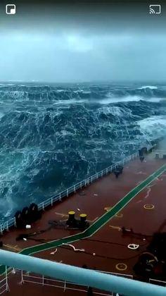 Ocean – Best Home Plants Beautiful Nature Pictures, Beautiful Nature Scenes, Amazing Nature, No Wave, Scary Ocean, Storm Pictures, Ocean Video, Sea Storm, Storm Photography