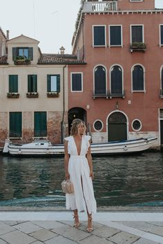 Europe Fashion, Italy Fashion, Vacation Outfits, Summer Outfits, Travel Outfits, Mode Outfits, Fashion Outfits, Greece Outfit, Italian Outfits