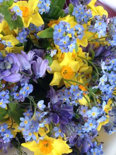 Spring bouquet wedding Bride forget me nots daffodils bluebells