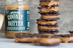21 Cookie Butter Recipes You Must Know About. If you know me, you know cookie butter is one of my favorite things.these could be danderous! Brownie Cookies, Gooey Cookies, Chip Cookies, Biscoff Recipes, Cookie Recipes, Dessert Recipes, Speculoos Cookie Butter, Butter Cookies Recipe, Yummy Treats