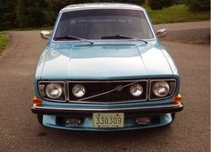 Clean 142 with the rally grille. Volvo 240, Volvo Cars, Old Trucks, Cars And Motorcycles, Cool Cars, Dream Cars, Automobile, Old Things, Bike
