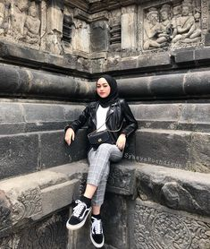 hijab simple Security Check Required h Hijab Casual, Ootd Hijab, Hijab Chic, Modern Hijab Fashion, Muslim Women Fashion, Street Hijab Fashion, Style Hijab Simple, Hijab Mode Inspiration, Ootd Poses