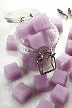 DIY Violet Sugar Scrub Cubes // Learn how to create these individual solid sugar scrubs!