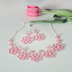 Tatted jewelry set: necklace and earrings in sweet pastel by smaks