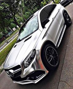 Daimler's mega brand Maybach was under Mercedes-Benz cars division until when the production stopped due to poor sales volumes. Mercedes-AMG became a Mercedes Amg, Top Luxury Cars, Luxury Suv, Benz Suv, Lux Cars, Ford Raptor, G Wagon, Amazing Cars, Sport Cars