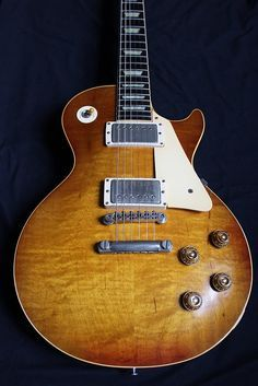FOR SALE - 1959 Gibson Les Paul Standard - all original clean example with some… Epiphone, Gretsch, Banjo, 1959 Gibson Les Paul, Les Paul Guitars, Les Paul Standard, Guitars For Sale, Gibson Guitars, Fender Guitars