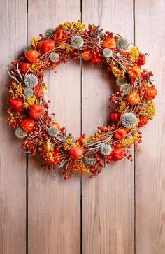 Věnec - podzim - Fotos da Linha do Tempo Autum Flowers, Dried Flowers, Autumn Wreaths, Holiday Wreaths, Wreath Fall, New Year Photography, Seasonal Decor, Fall Decor, Thanksgiving Flowers