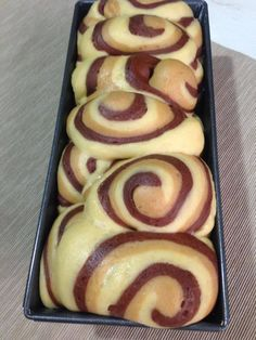 Mini Desserts, Dessert Recipes, Pastry Design, Food Net, Plum Cake, French Pastries, Healthy Meals For Kids, Pumpkin Recipes, My Favorite Food
