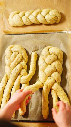 Bread Recipes, Baking Recipes, Cake Recipes, Bread Art, Challah, Vegan Cake, Delish, Stuffed Mushrooms, Food And Drink