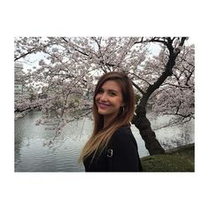 【alyciafelicity】さんのInstagramをピンしています。 《// ↠ N a t u r e & C i t y↞ // 🌸 // #cherryblossoms #tokyo #love #greatday #smile #peacefulvibe #city #tokyo //》