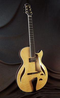 Archtop Guitar, Jazz Guitar, Beautiful Guitars, Music Instruments, Nice, Instruments, Guitars, Nice France, Musical Instruments