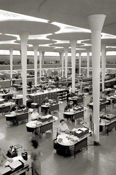 Post Modern Architecture, Define Architecture, Architecture Artists, Religious Architecture, Architecture Office, Building Architecture, Frank Lloyd Wright, Johnson Wax, Architectural Columns