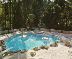 Jayne Mansfield's heart shaped pool via Architectural Digest