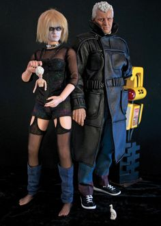 Scott Petterson's custom 12″ action figures based on characters from Blade Runner : Pris and Roy Batty