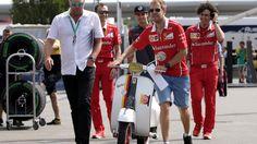 Zum Ferrari-Heimrennen - Vettel kommt mit Deutschland-Vespa