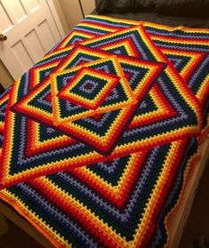 Transcendent Crochet a Solid Granny Square Ideas. Inconceivable Crochet a Solid Granny Square Ideas. Crochet Motifs, Granny Square Crochet Pattern, Afghan Crochet Patterns, Crochet Squares, Crochet Granny, Crochet Afghans, Crochet Blankets, Granny Square Tutorial, Bargello Patterns