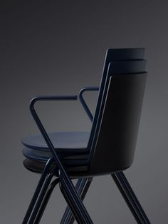 Designed by Geckeler Michels, a German design studio based in Berlin, Acme is a functional chair with a strong minimalist form made for Danish brand. Metal Chairs, Side Chairs, Dining Chairs, Black Chairs, Dining Room, Furniture Sets Design, Modern Furniture, Berlin, Contemporary Design