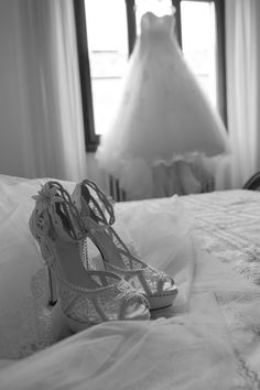 Bride details wedding in tuscany