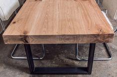 Houten tafels geheel op maat gemaakt, ambachtelijk gemaakte tafels. Eiken houten tafels met staal of noten tafel met RvS. Modern, robuust of…