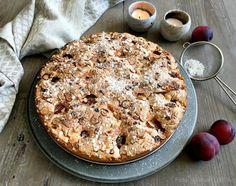 Fantastisk nem og lækker blommekage, som kan bruges til både dessert og til eftermiddagskaffen. Server gerne med creme fraiche, is eller flødeskum.