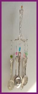DIY Silverware Wind Chimes - would be cool to make random chimes and hanging things to hang in some of the trees Fun Crafts, Diy And Crafts, Arts And Crafts, Silverware Art, Recycled Silverware, Diy Projects To Try, Craft Projects, Diy Wind Chimes, Suncatchers