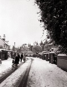 Wimbledon Village London UK Wimbledon Village, Village Houses, Black And White Pictures, Back In The Day, The Locals, Old Photos, Habitats, Street Photography, United Kingdom